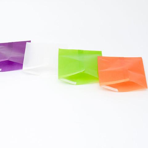 グラシン紙でほんのり透けるテトラパック-05