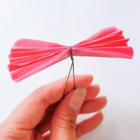グラシン紙で手作り薔薇のコサージュ-07