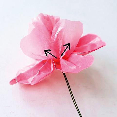 グラシン紙で手作り薔薇のコサージュ-06